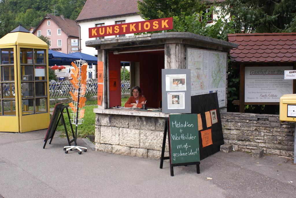 Kunstkiosk_Blick von der Straße